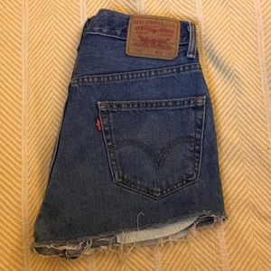 Vintage Levi's 550 cutoff shorts